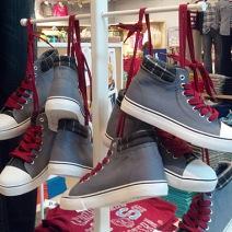 Shoefetti as formal Display Detail