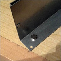 Magnetic Multi-Line Holder Detail