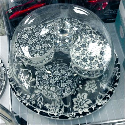 Porcelain Cupcake Pedestals Closeup