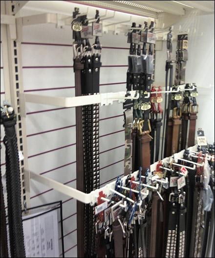 Belts on Tiered Bar Gondola Extenders