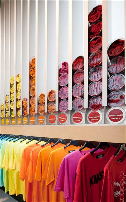 store self dispenses t shirts fixtures close up retail pop. Black Bedroom Furniture Sets. Home Design Ideas