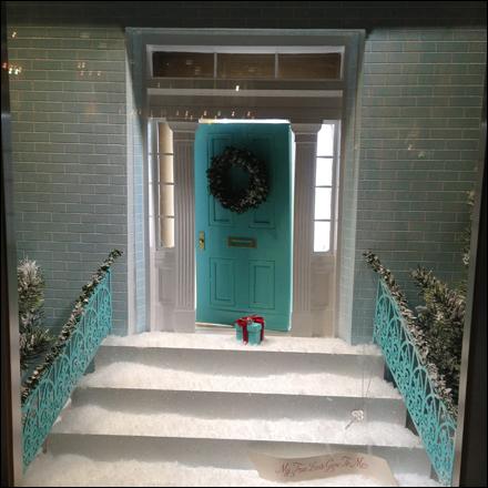 Tiffany at Your Xmas Doorstep   Fixtures Close Up: Retail–POP