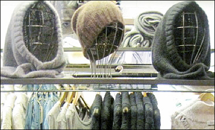 Wire Headforms as retail merchandising store fixtures