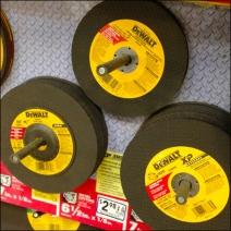 DeWaltr Cutting Discs Pegged Main