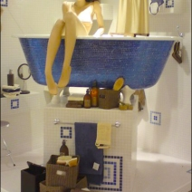 Space Saving Bath Display