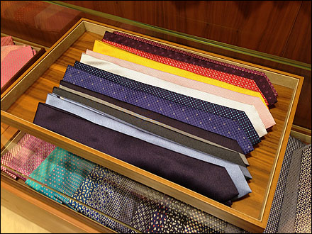 Necktie Windrows in Tray Main
