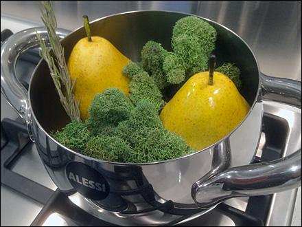 Alessi Odd Cook Pot Prop Bedfellows Main