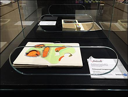 Moleskine Reach-In Museum Case Main