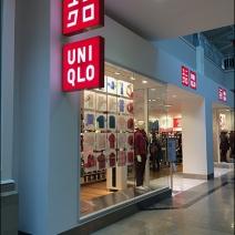 UNIQLO Entry Branding 1