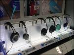 Bose Headphones Get Moody 1