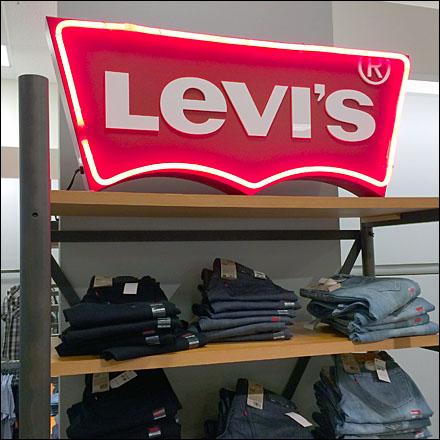 Levi® Neon Display