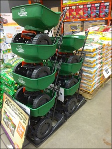 Self Merchandising Lawn Spreader Stacks