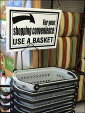 Shopping Basket Sign Aux