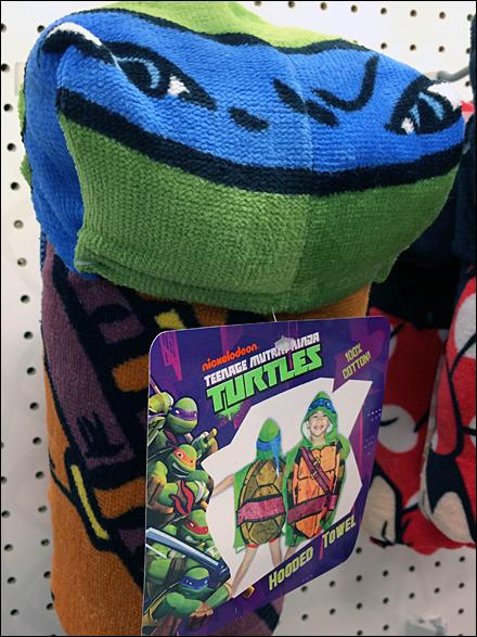 Teenage Mutant Ninja Turtles Hooked Label