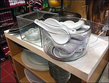 Spoon Rest En Masse Bulk Bin Display Overview