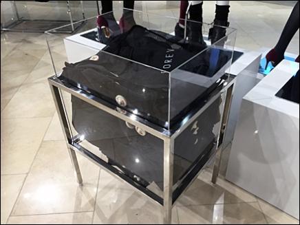 Museum Case Bulk Bin Bag Dispenser 1