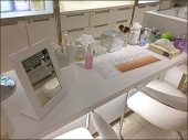 Clinique Branded Cosmetics Workstation 1