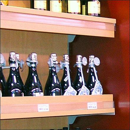 Spirit Product Stop Shelf Supports Closeup