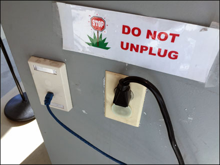Do Not Unplug Retail Overall Main