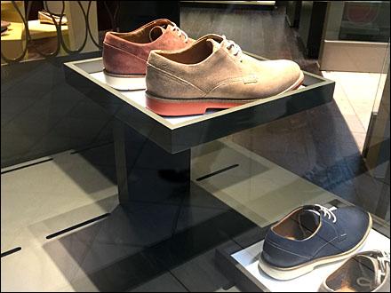 Cantilevered Shoe Pedestals Dark on Light Main