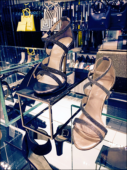 High Heel Pedestal Karen Millen 1