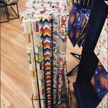 Kings Gift Wrap Floor Stand 1