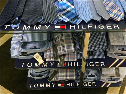 Tommy Hilfiger Shelf Branding