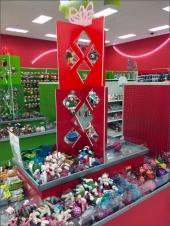 Die-Cut Christmas Ornament Visual Merchandising