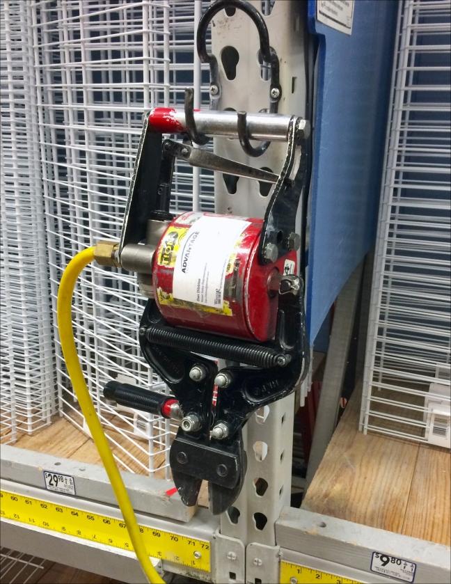 Pneumatic Cutter J-Hook for Pallet Rack