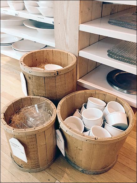 Tableware Baskets, Barrels, and Kegs