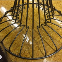Open Wire Nail Polish Pedestal 3