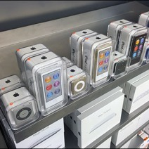 Apple iPod Shelf Edge Merchandising 2