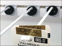 L'Oreal Indexed Ball-End Bar Display Hook 2