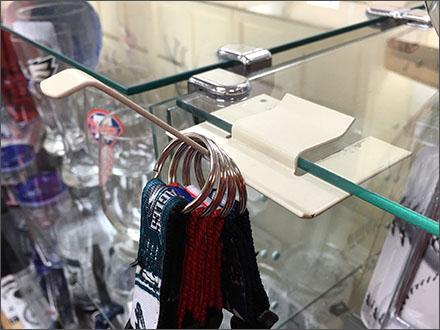 Reverse Butterfly Hook for Glass Shelf Main2