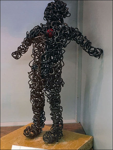 Wire Man Heart Front