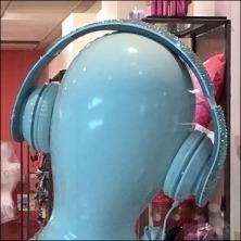 Headphone Mannequins Features