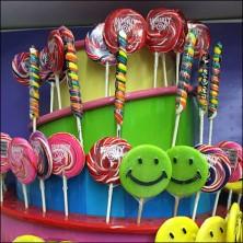 Lollipop Tower Display Feature
