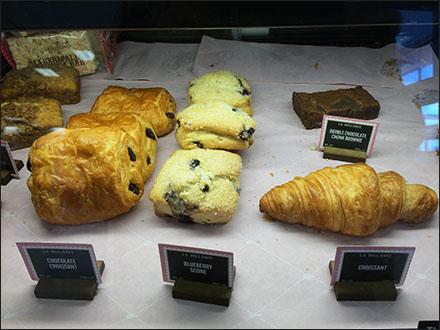 bakery-case-wood-block-mini-sign-holder-main