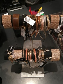 double-hump-bracelet-t-stand-2