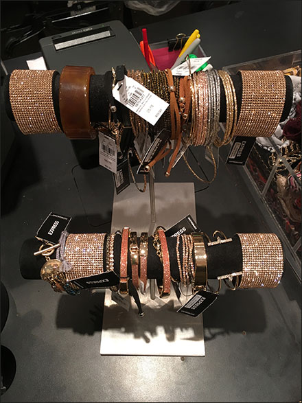 double-hump-bracelet-t-stand-main