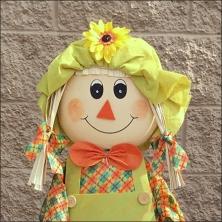 fall-floral-scarecrow-girl-3facial-closeup