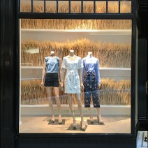 fall-sheeves-of-wheat-visual-merchandising-1