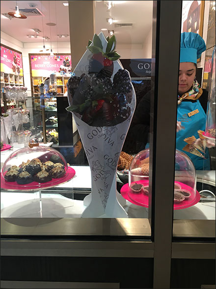 godiva-berry-cone-foamcore-dimensional-main1
