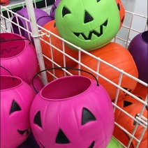 halloween-pumpkin-candy-carry-pail-bulk-bin-3
