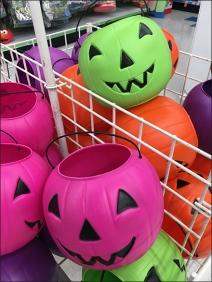 halloween-pumpkin-candy-carry-pail-bulk-bin-3
