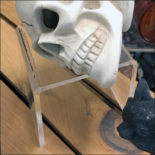 skull-on-acrylic-flyover-pedestal-feature