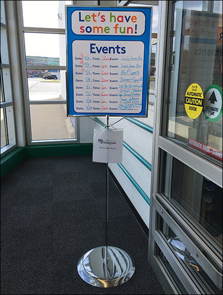 toys-r-us-events-entry-sign-main