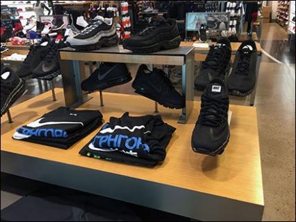 nike-sneaker-trestle-display-1